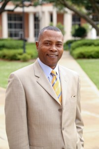Dr. Ricardo Brown