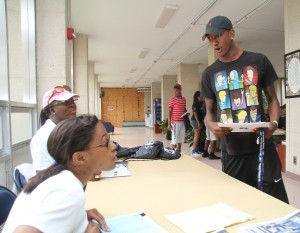 Move-in Day volunteers assist a new Jacksonian