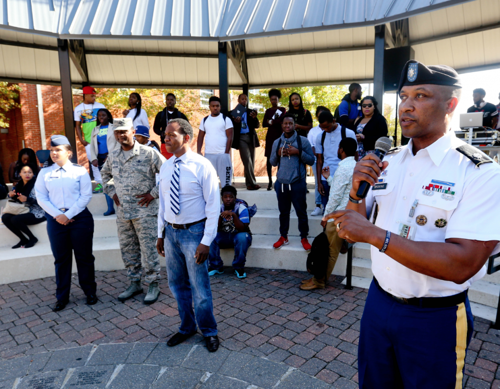 On Veterans Day, honor is urged for brave men and women ...