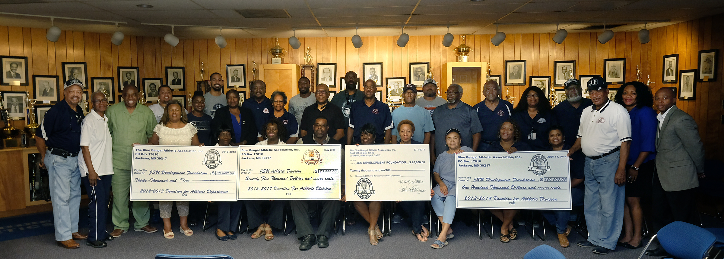 "Members of the Blue Bengals Athletic Association challenge JSU alumni to show that they ""bleed blue and white"" and give back to Jackson State University. (Photo by Charles A. Smith/JSU)"