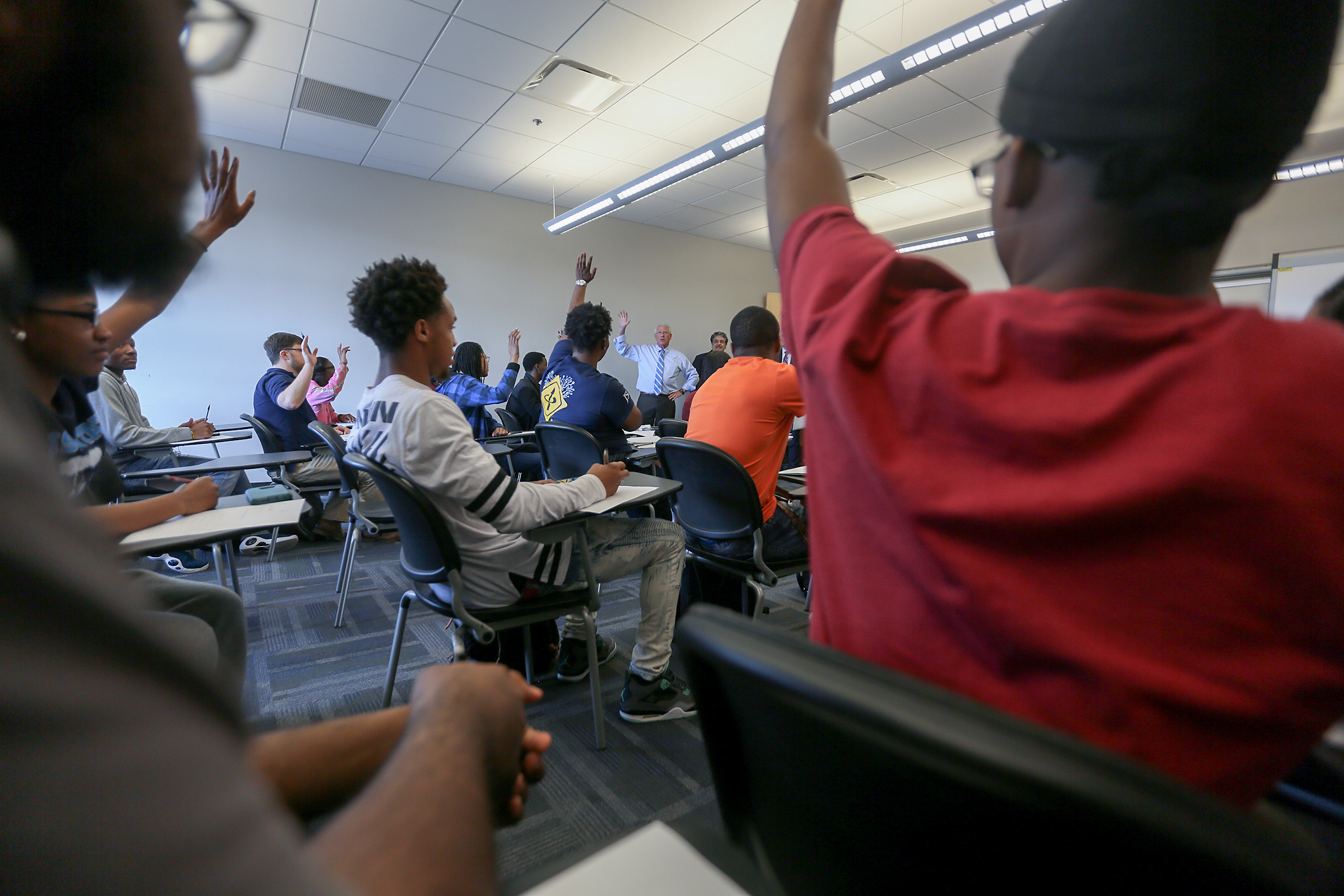 Several students identified themselves as out-of-state students as Wicker discussed WiFi and diversity to CSET students. (Photo by Aron Smith/JSU)