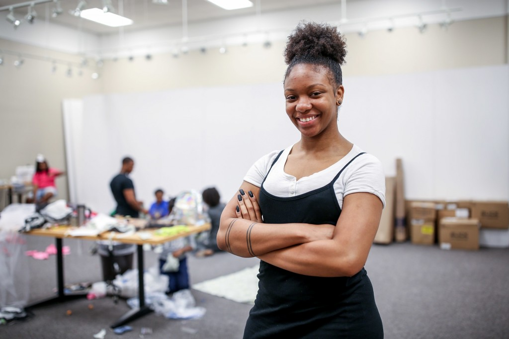 Kristen Martin, who graduated from the College of Business in spring of 2018, learned how to sew from her grandmother. She is using her skills to give back to the community by helping JPS students also learn the craft. (Photo by Charles A. Smith/JSU)