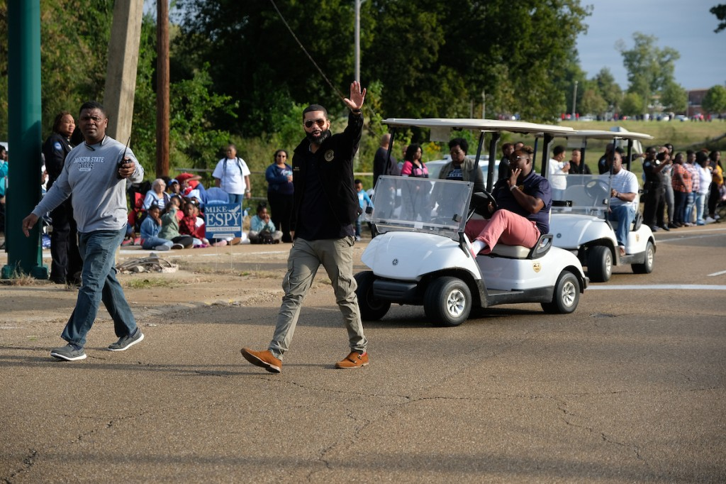 Mayor Chokwe Antar Lumumba, right, acknowledges the crowd. (Photo by Charles A. Smith)