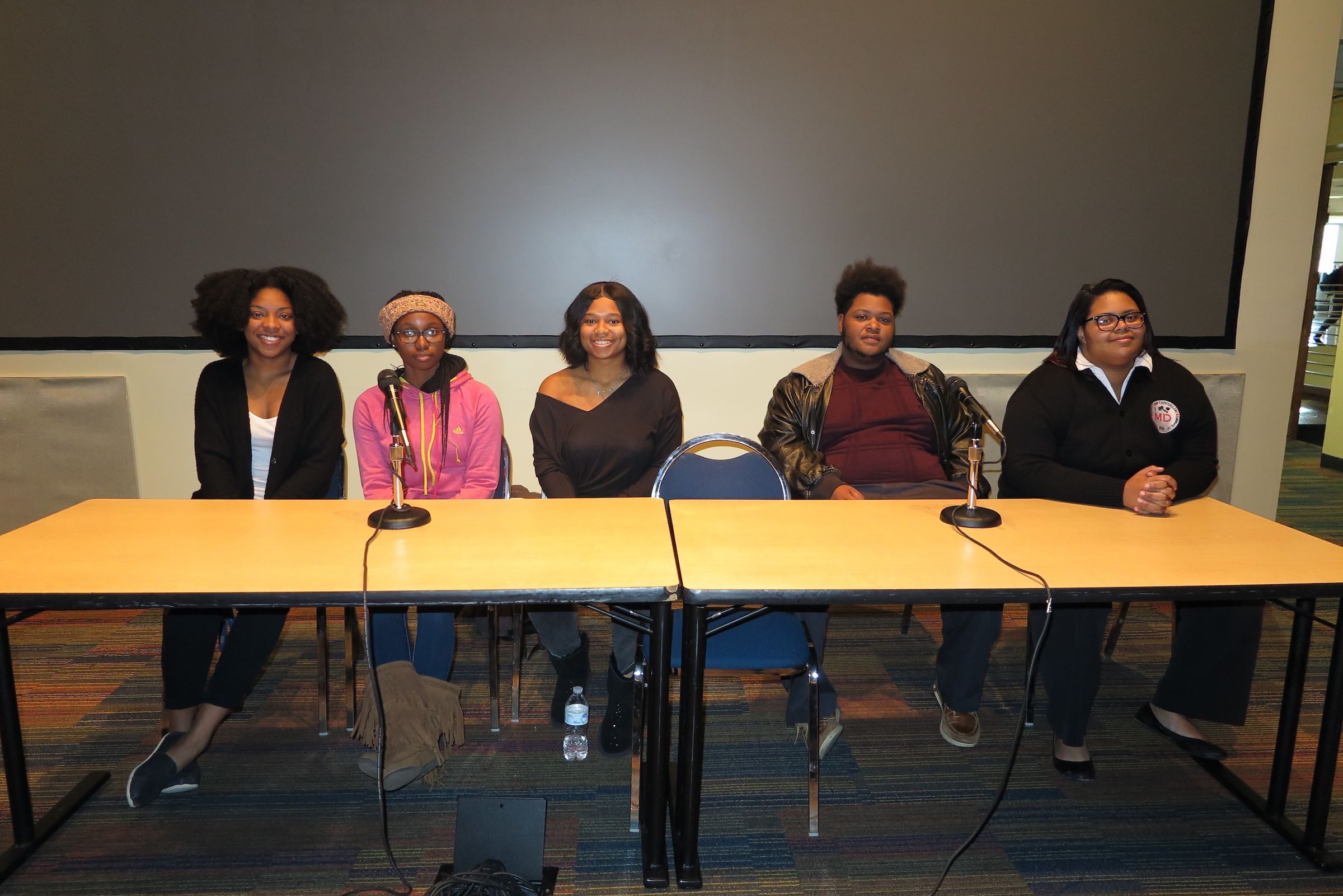 "Students participated in a discussion on the social constructs of race and other shared themes in found in the movie ""BlacKkKlansman,"" the book turned film, ""The Hate You Give,"" and ""Jubilee."" Pictured from left to right is: Terri Wells, senior political science major (far left); Tequilla Taylor, freshman biology pre-med major; Mikia Booker, junior criminal justice major; Isiah Motlen, sophomore linguistics major; and Abreya Duke, senior history major. (Photo by Rachel James-Terry/JSU)"