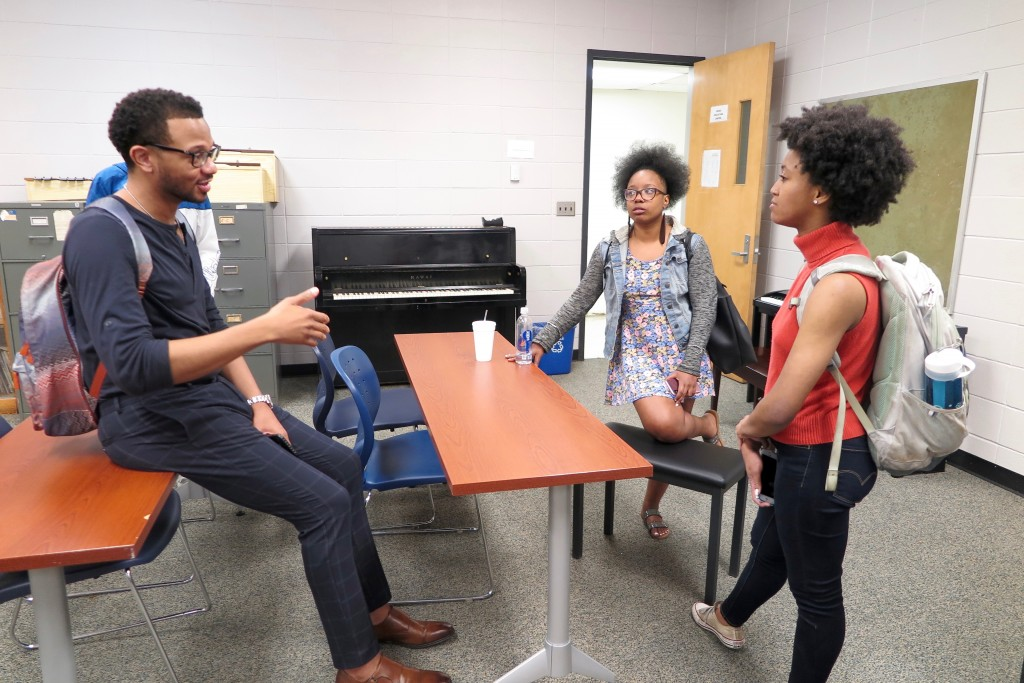 After attorney Jeffrey Graves' seminar on entertainment law, students lingered to ask questions that would benefit them in the music industry one day. (Photo by Rachel James-Terry/JSU)