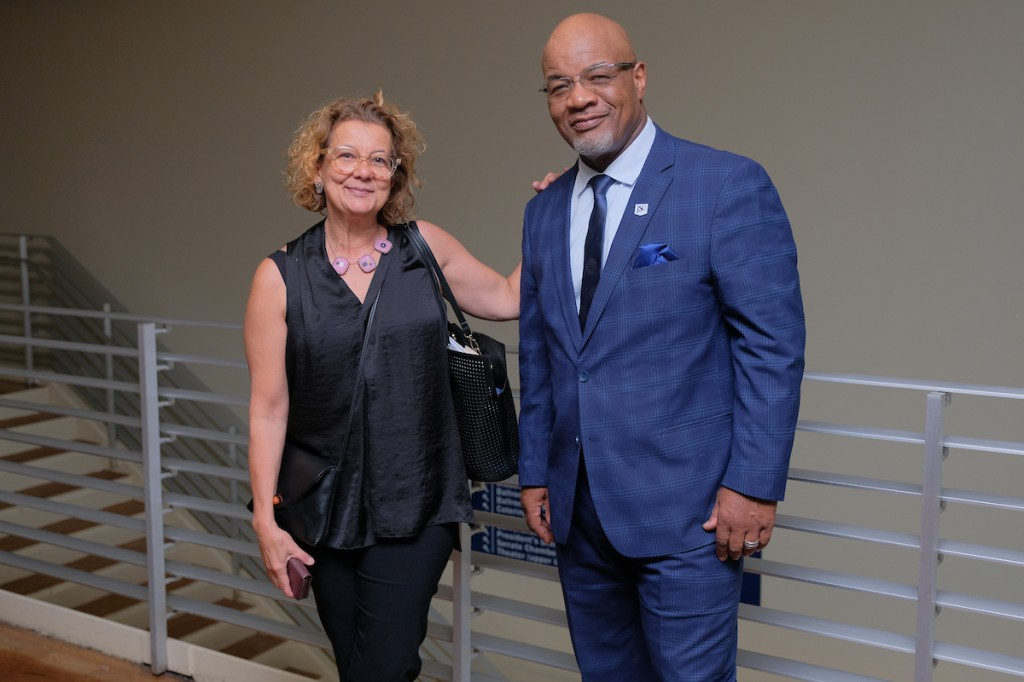 President William B. Bynum Jr. greets Cravo during her visit. Bynum successfully appealed to the Hearst Foundation to make an investment in the JSU Honors College.