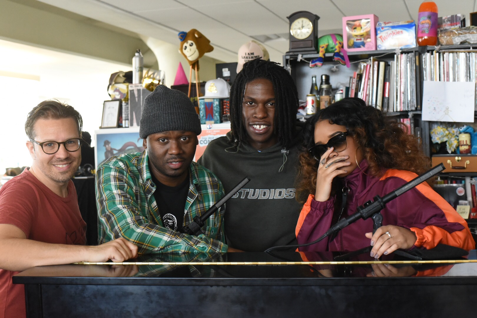 Josh Rogosin, Tiny Desk engineer, (left), Robert Carter, producer of Tiny Desk, Daniel Caesar, Canadian singer-songwriter, and H.E.R., who has won multiple awards including two Grammys (right). (Photo special to JSU)