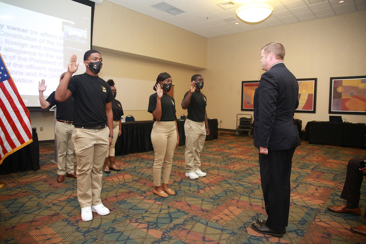 McCarthy conducted a future soldier swear-in. (Photo by William H. Kelly III/JSU University Communications)